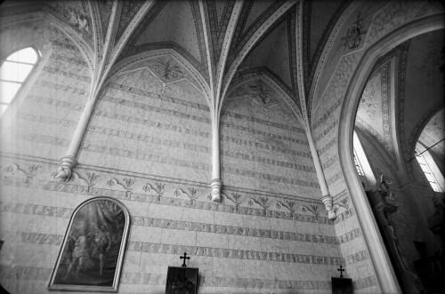 Crkva Svetog Ivana Krstitelja (Kloštar Ivanić) : gotička rebra u svetištu