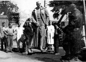 Augustinčić, Antun (1900-1979) : Spomenik kralju Aleksandru za Varaždin - u dvorištu ljevaonice Umjetničke akademije (ALU) u Zagrebu