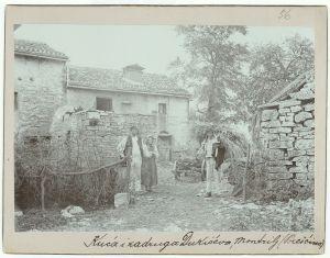 Kuća i zadruga Dukićeva (Montrilj) [Ptašinsky, Josef (1863-1908) ]