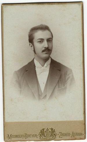Antun Ziegesberger, ljekarnik u Zlataru, rođak A. G. Matoša