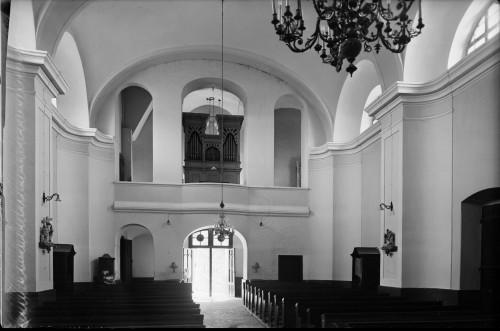 Crkva Svetog Ivana Nepomuka (Glina) : unutrašnjost s orguljama [Griesbach, Đuro  ]