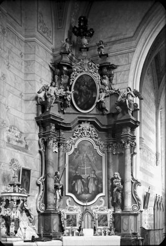 Weinacht, Josephus (Josip)  : Crkva Svetog Ivana Krstitelja (Kloštar Ivanić) : oltar Marije od ružarija [Griesbach, Đuro  ]