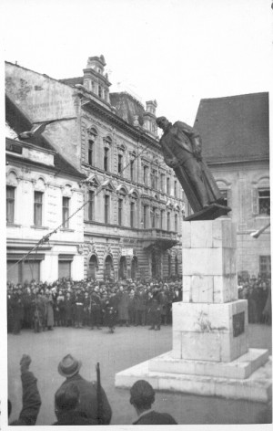 Rušenje spomenika kralju Aleksandru u Varaždinu