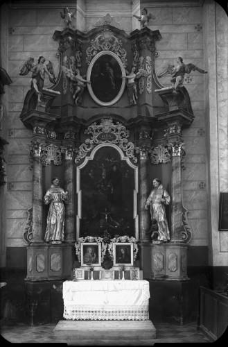 Crkva Svetog Ivana Krstitelja (Kloštar Ivanić) : oltar Svetog Antuna Padovanskog