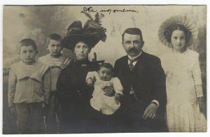 Fotografija/razglednica Ive Grahovca Riečanina s obitelji