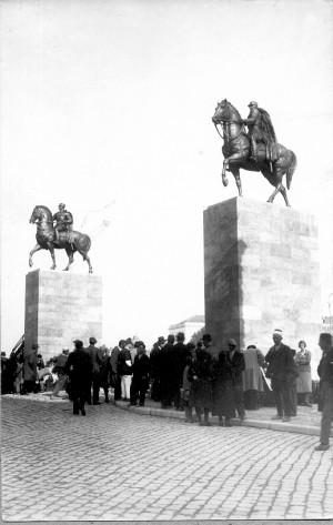 Augustinčić, Antun (1900-1979) : Spomenik kralju Petru i Aleksandru Karađorđeviću u Skoplju