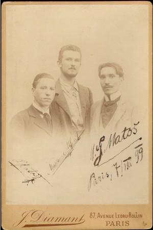 A. G. Matoš (prvi zdesna), Leon Matoš i Alfred Makanec, fotografirani dan nakon Matoševa dolaska u Pariz