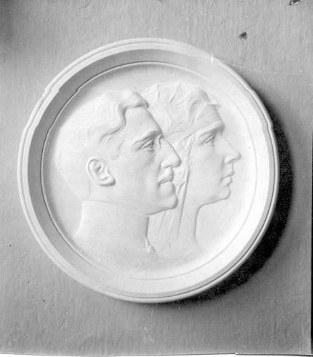 Portretni medaljon kralja Aleksandra i kraljice Marije