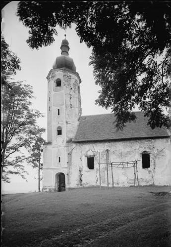 Crkva Svetog Martina (Prozorje) : izvana s tornjem [Griesbach, Ljudevit (1890-5-20 1946-2-11)]