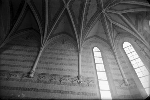 Crkva Svetog Ivana Krstitelja (Kloštar Ivanić) : gotička rebra u svetištu [Griesbach, Đuro]