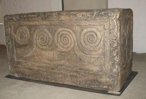 Sanduk sa spiralnom ornamentikom