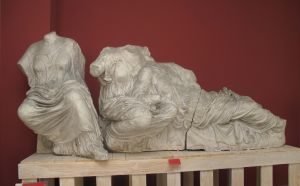 Tri božice (Hestija, Diona i Afrodita - Parke), detalj zabata Partenona Fidijina škola