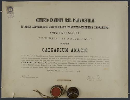Diploma magistra farmacije Cezara Akačića