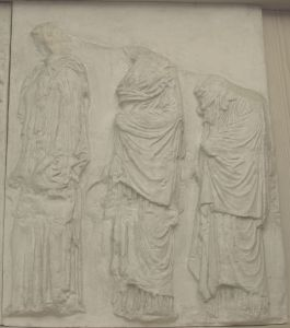 Tri ženske figure, Partenon- istočni friz