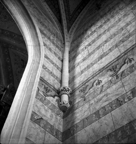 Crkva Svetog Ivana Krstitelja (Kloštar Ivanić) : svetište, konsola i rebra