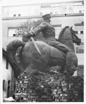 Proces lijevanja spomenika Jozefu Plisudskom