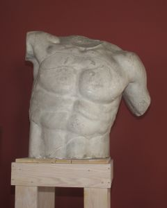 Posejdonov torzo, detalj zabata Partenona
