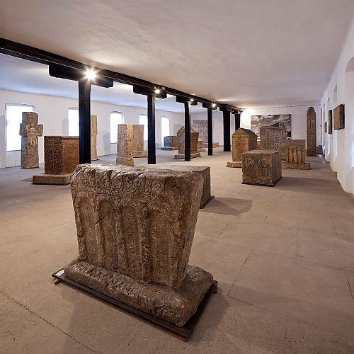 Zbirka sadrenih odljeva stećaka od XIII do XVI st.