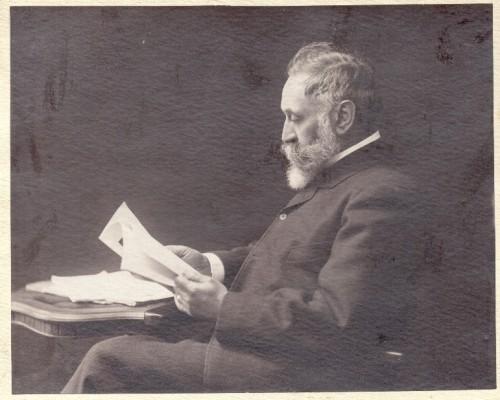 Foto portret dr. Izidora Kršnjavog ]