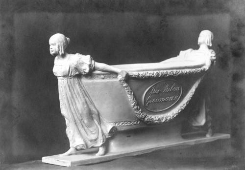 Valdec, Rudolf: Klasicistički sarkofag - skica nadgrobnog spomenika ]