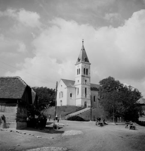 Crkva Uzvišenja Svetog Križa (Kravarsko) : izvana [Griesbach, Đuro  ]