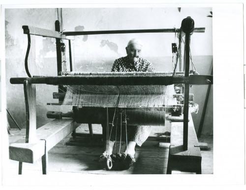 Tkalja Tone Urlin za tkalačkim stanom [Fuis, Antun(????-1968)]