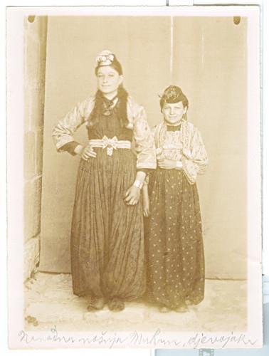 Dvije muslimanske djevojke [Nuić, Anđeo  ]